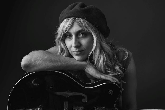 """Premiere: Lexie Roth Debuts New Video For """"Western Skies"""""""