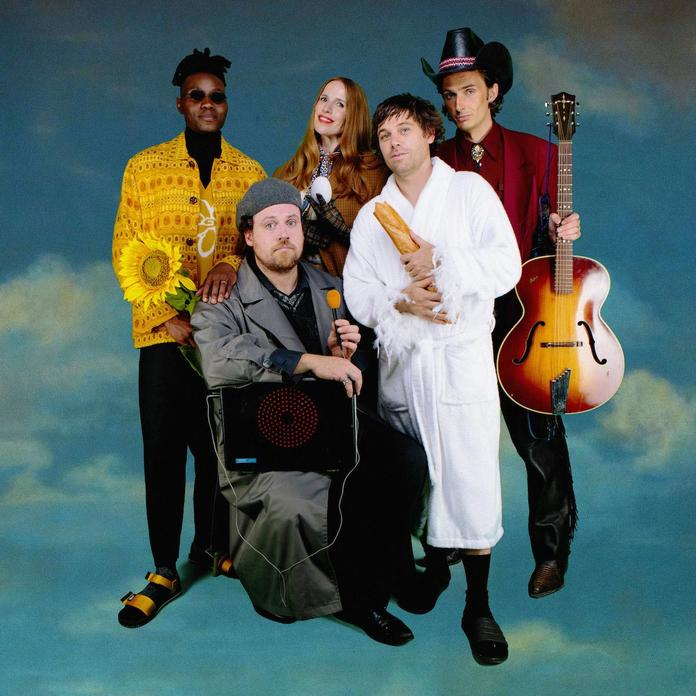 """Metronomy Announce New Album, Share Video for New Single """"It's good to be back"""""""