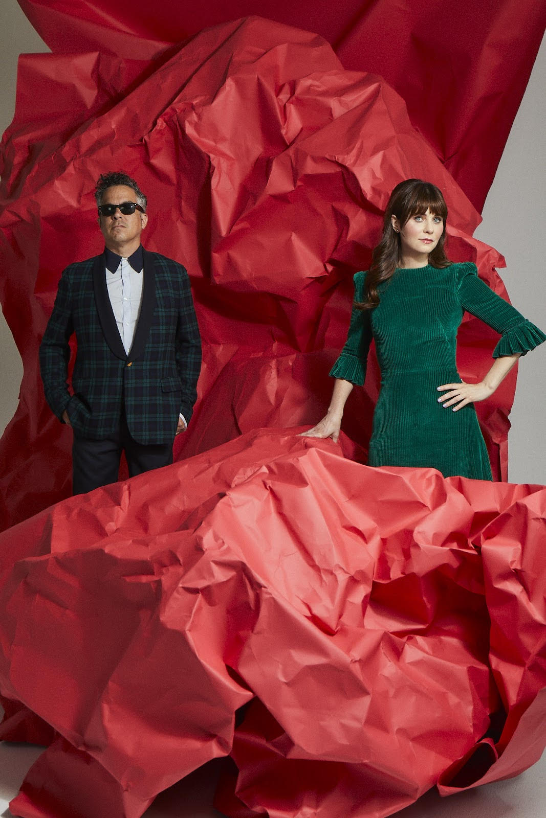 """She & Him Share New Cover of """"It's Beginning to Look a Lot Like Christmas"""""""
